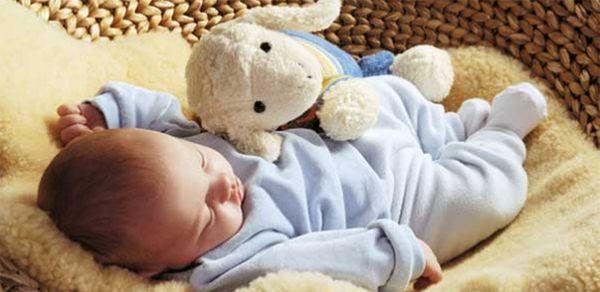 Сон грудничка: причины плохого засыпания
