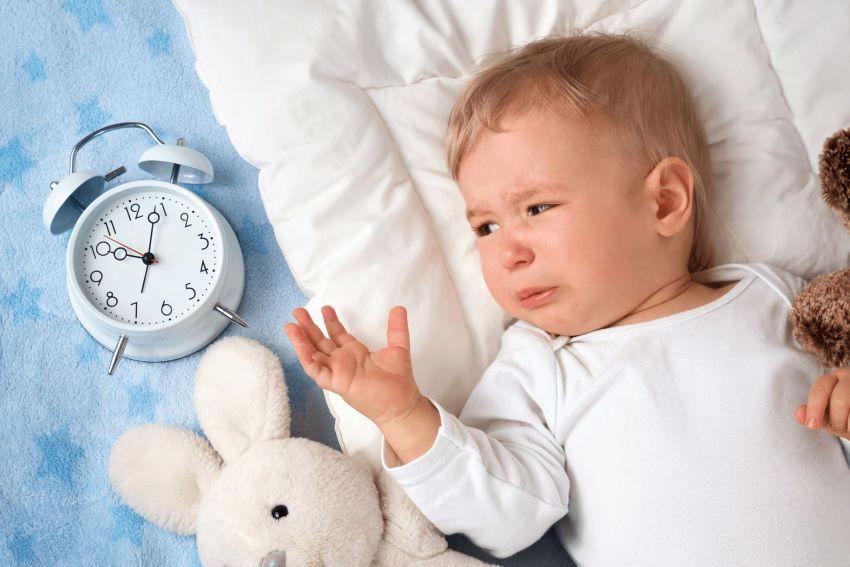 Ребенок 1 месяц не хочет спать