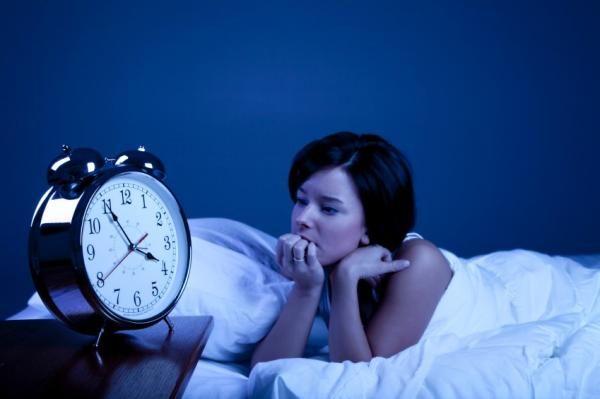 Почему бессонница ночью у женщин причины