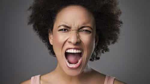 Кричать во сне - причины: Почему человек кричит и просыпается от страха