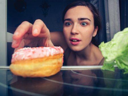 Рекомендации диетологов — что можно есть перед сном без вреда здоровью