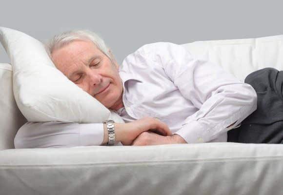 Почему пожилой человек постоянно спит причины